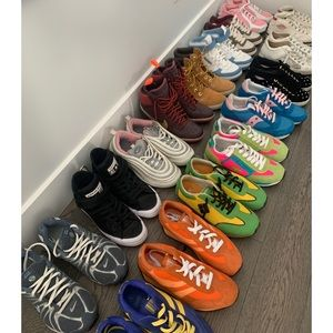 16 Pairs of Sneakers High Tops Nike Converse